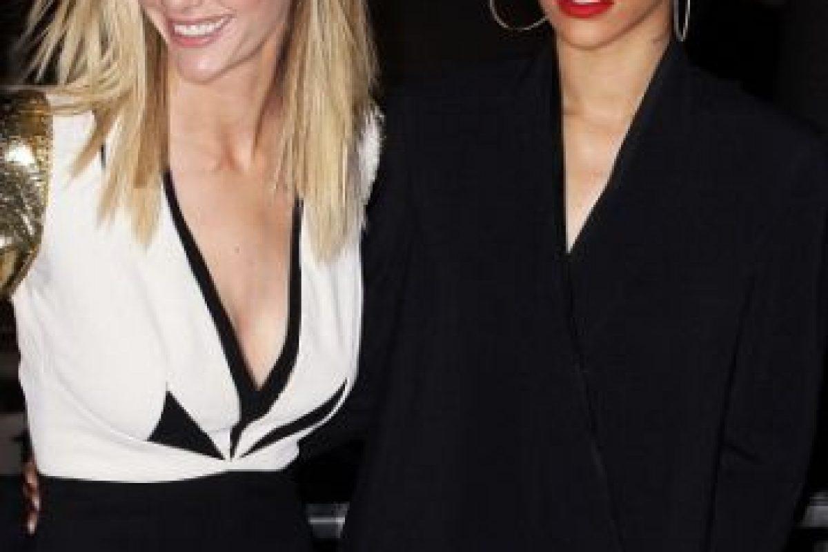 1. Rihanna y Brooklyn Decker Foto:Getty Images. Imagen Por: