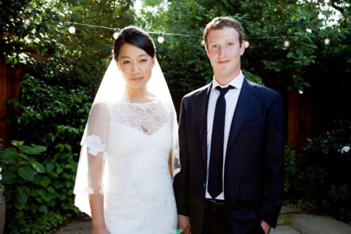 Priscilla Chan y Mark Zuckerberg el día que se casaron Foto:Facebook. Imagen Por: