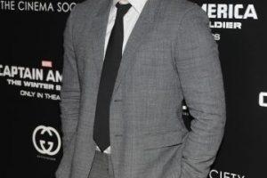 Se rumora que Sandra Bullock (49) está saliendo con Chris Evans (32), quien interpreta a Capitán America en las populares películas de Marvel. En el pasado, también tuvo un romance con Ryan Gosling (33). Foto:Getty. Imagen Por: