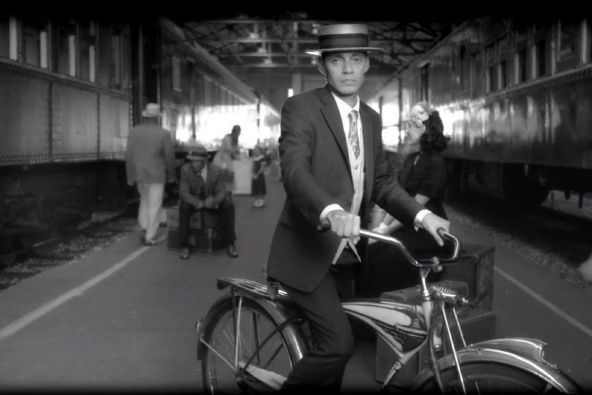 El video está recreado en los años 40 Foto:Captura de Pantalla. Imagen Por: