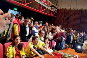 Así, el equipo de uno de los candidatos a la Presidencia, Oscar Iván Zuluaga Foto:Twitter. Imagen Por: