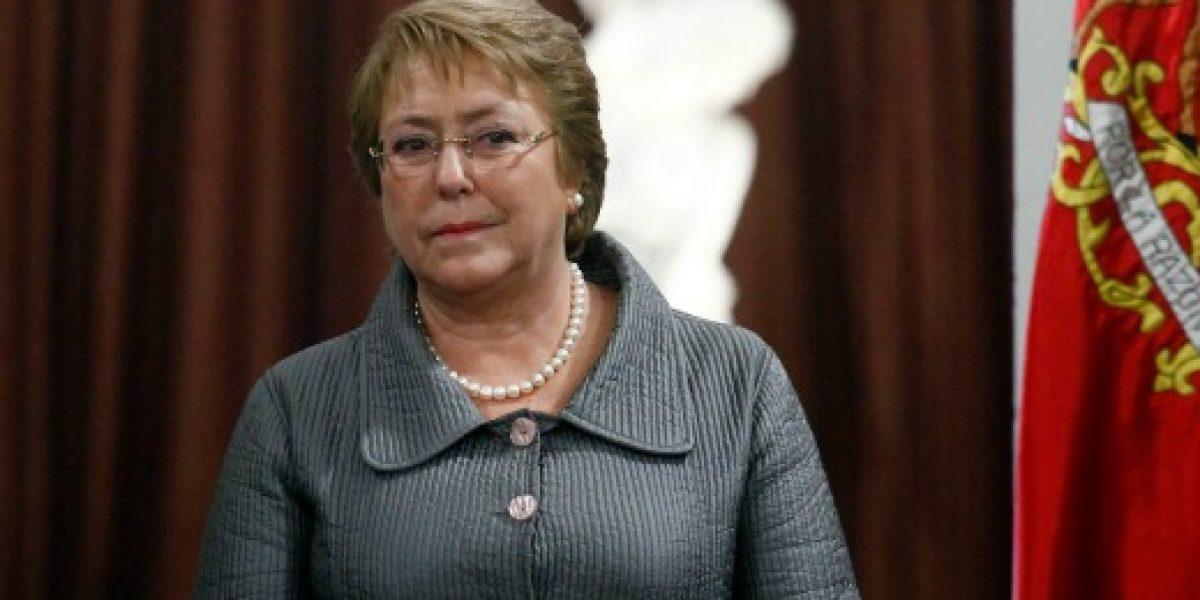 Bachelet firma proyecto para crear una AFP estatal