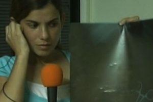 Clara Nicolasa Ávila tenía unas tijeras en su vientre después de una cesarea Foto:YouTube. Imagen Por: