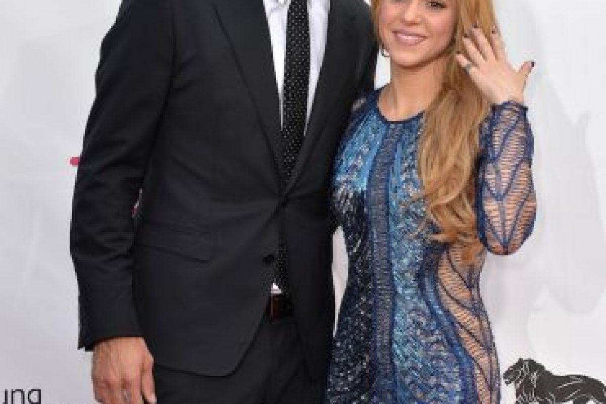 Shakira, esposa de Gerard Pique. Podría decirse que la cantante de pop es más popular que su esposo. Pero ella no es la única mujer del Mundial reconocida por sus propios logros. A continuación les presentamos a las otras nueve mujeres más exitosas del fútbol: Foto:Getty. Imagen Por: