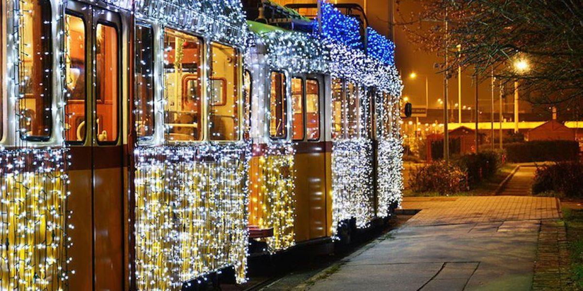 30 mil luces LED hacen de estos tranvías unas verdaderas máquinas mágicas