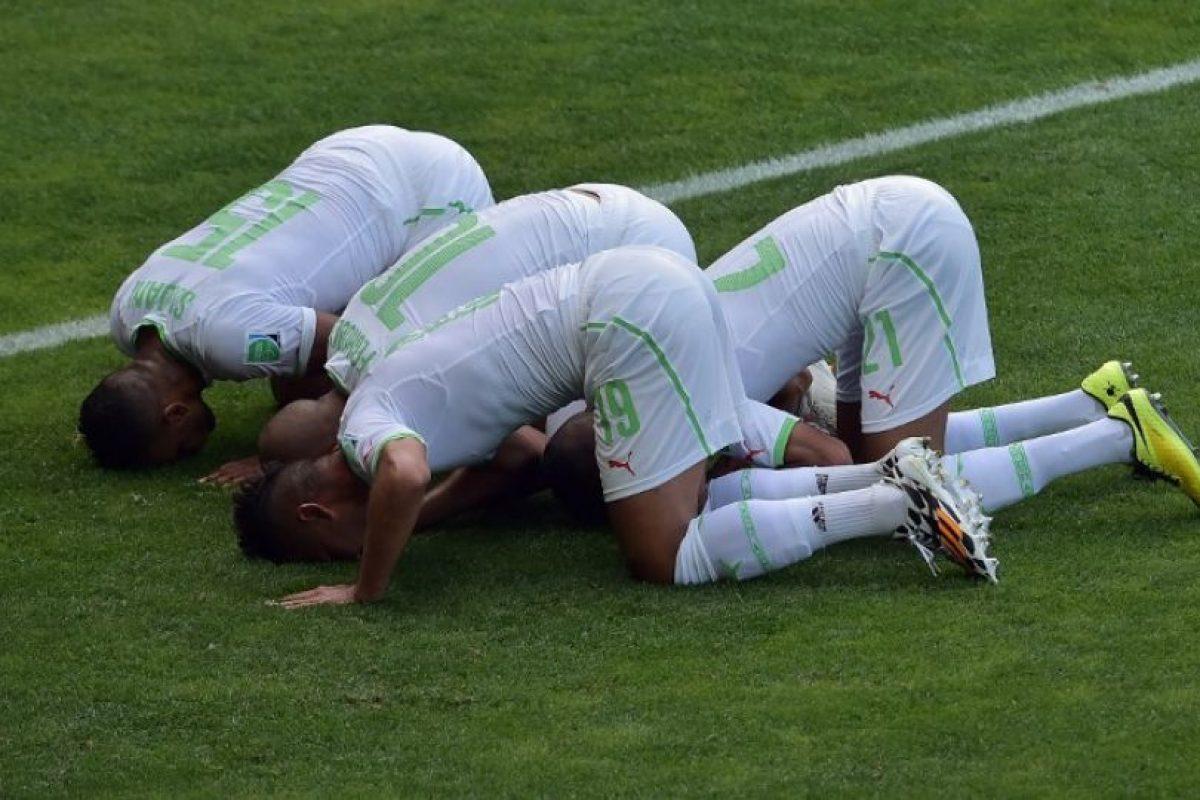 Jugadores de Argelia Foto:AFP. Imagen Por: