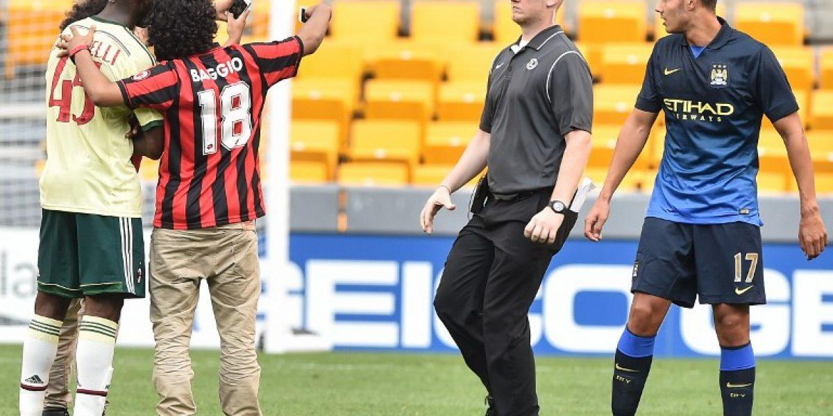 Es costumbre: Balotelli repitió a El Shaarawy y se sacó una selfie con dos