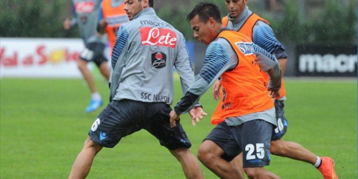 Video: Eduardo Vargas estuvo presente en victoria del Napoli en amistoso
