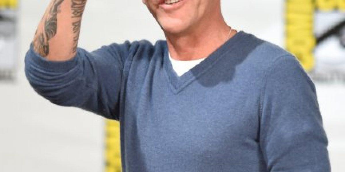 Freddy Prinze Jr. asegura que alcohol hizo imposible trabajar con Kiefer Sutherland