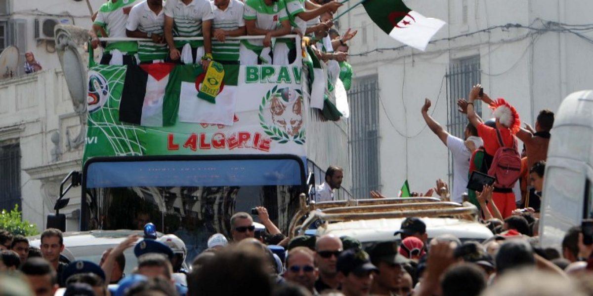 Feghouli, la estrella argelina de Valencia que se llevó la camiseta de Palestino a España