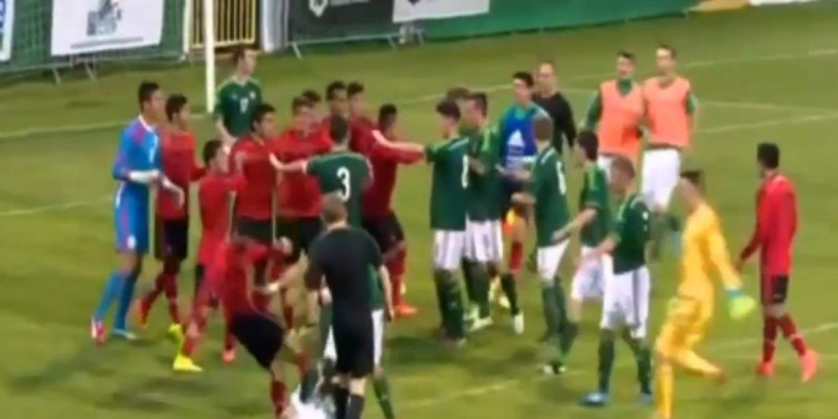 Video: Pelea entre mexicanos y norirlandeses terminó con brutal agresión