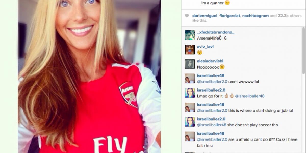 La bella novia de Alexis llegó hasta el Emirates Stadium para apoyarlo en su debut