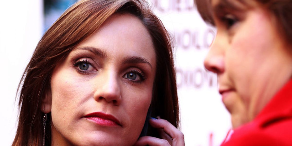 Fernanda Hansen se casará el 2015 con aprobación del padre de Camiroaga
