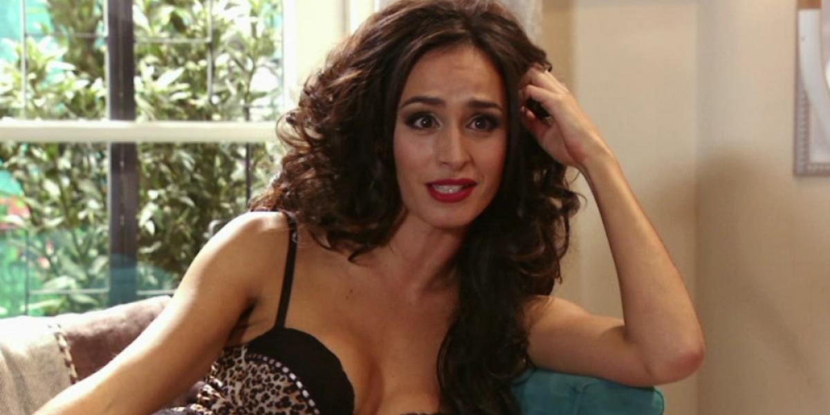Fernanda Urrejola mató con infartante escote en estreno de