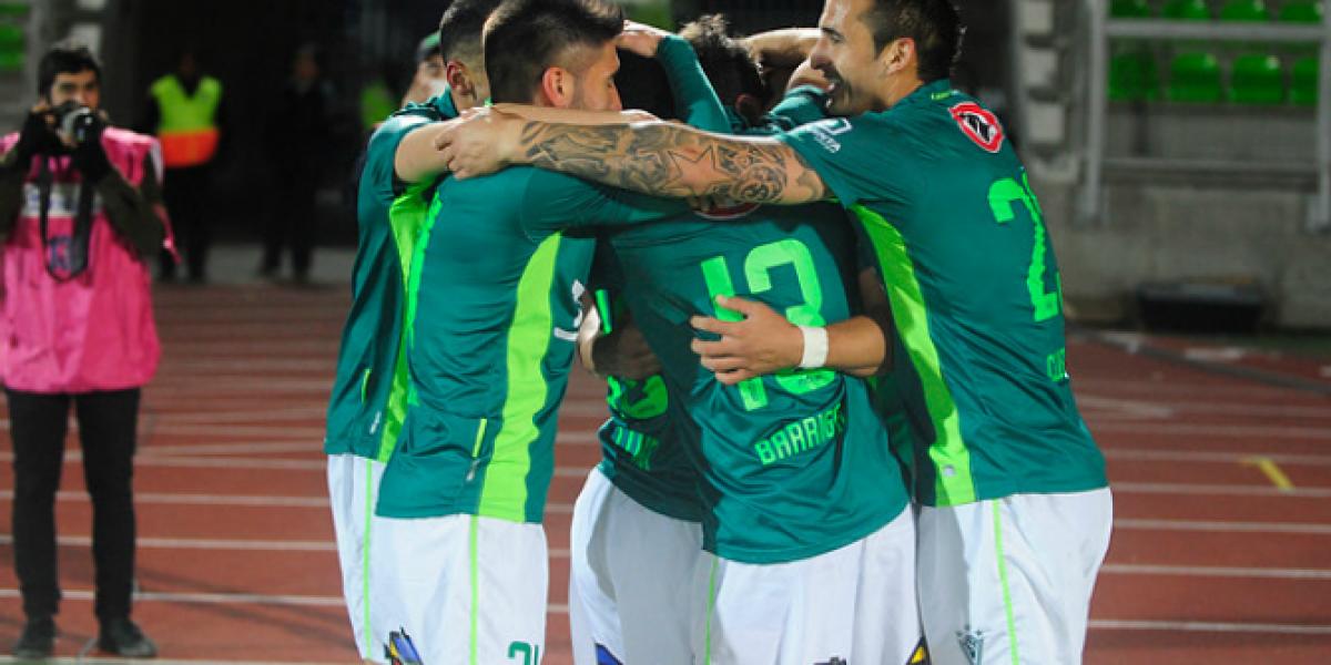 Santiago Wanderers dominó y venció a Iquique en Valparaíso