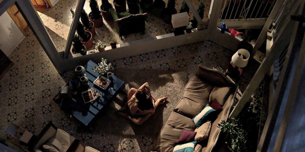 Sólo para mayores: se desata la pasión lésbica en nocturna de TVN