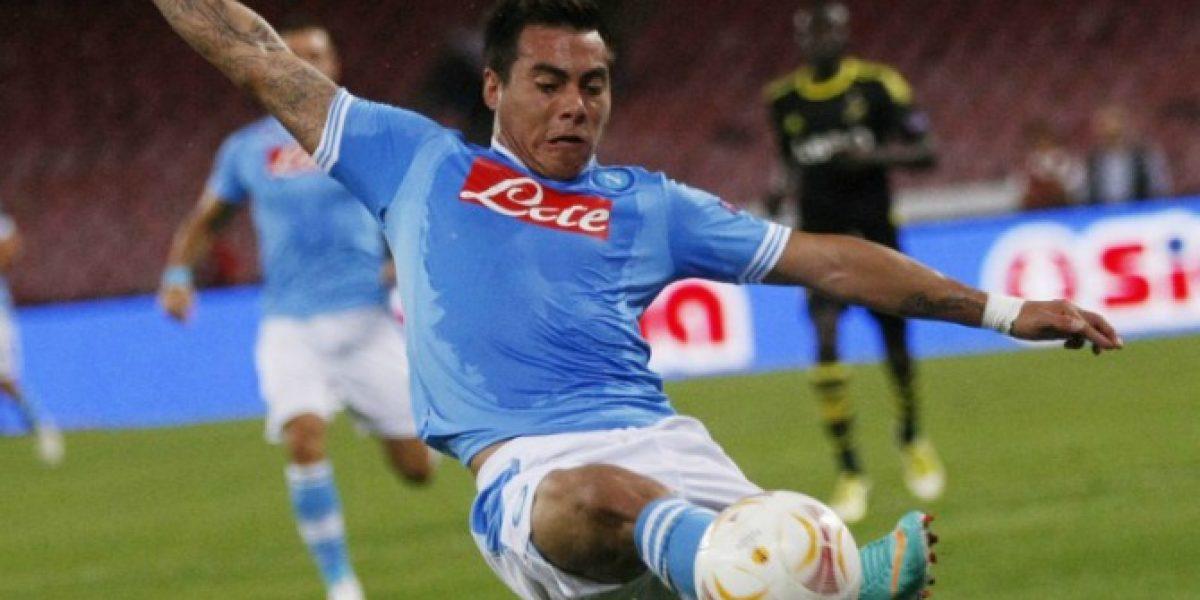 Eduardo Vargas seguiría entrenando en Napoli según su representante