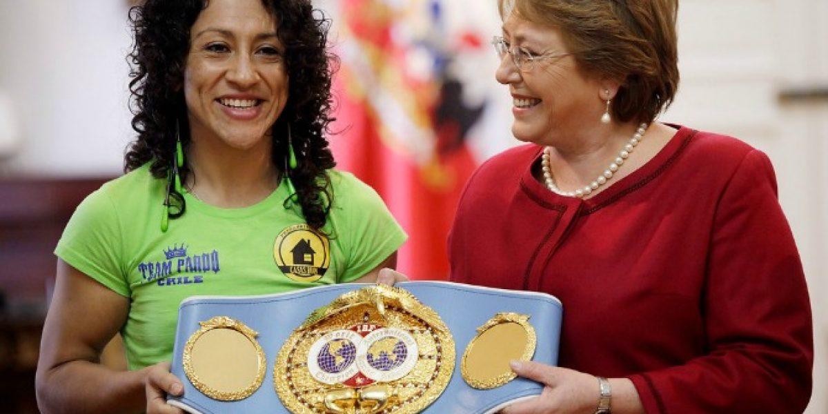 La Crespita Rodríguez fue recibida en La Moneda por Michelle Bachelet