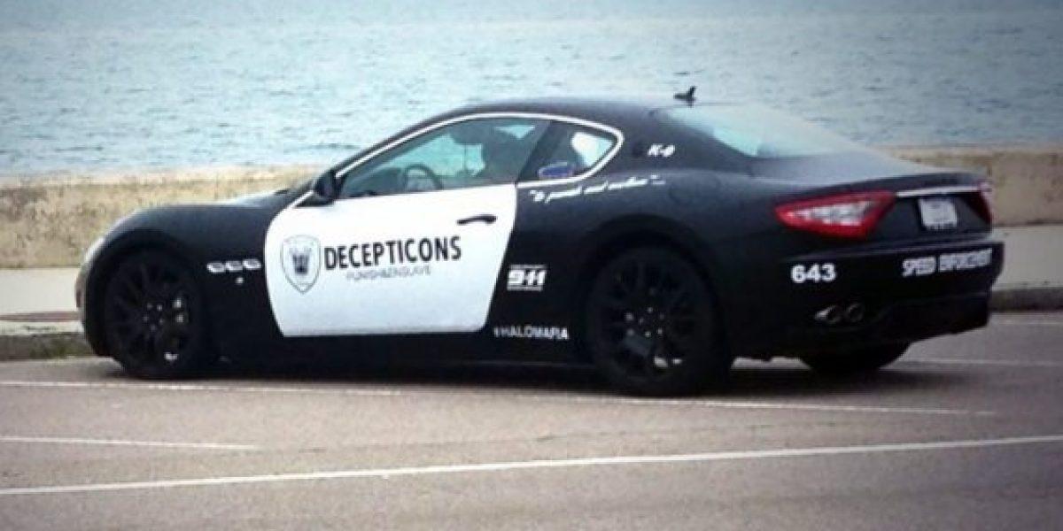 Hombre pinta su Maserati como auto de policía y es arrestado