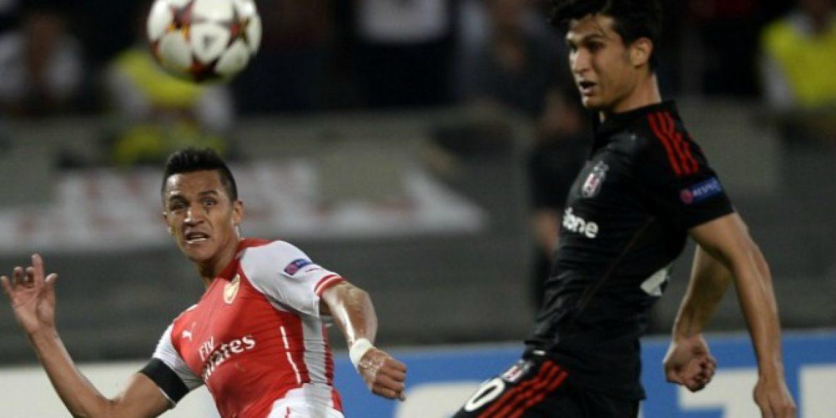 Alexis no pudo brillar con el Arsenal y sólo empataron con Besiktas por Champions