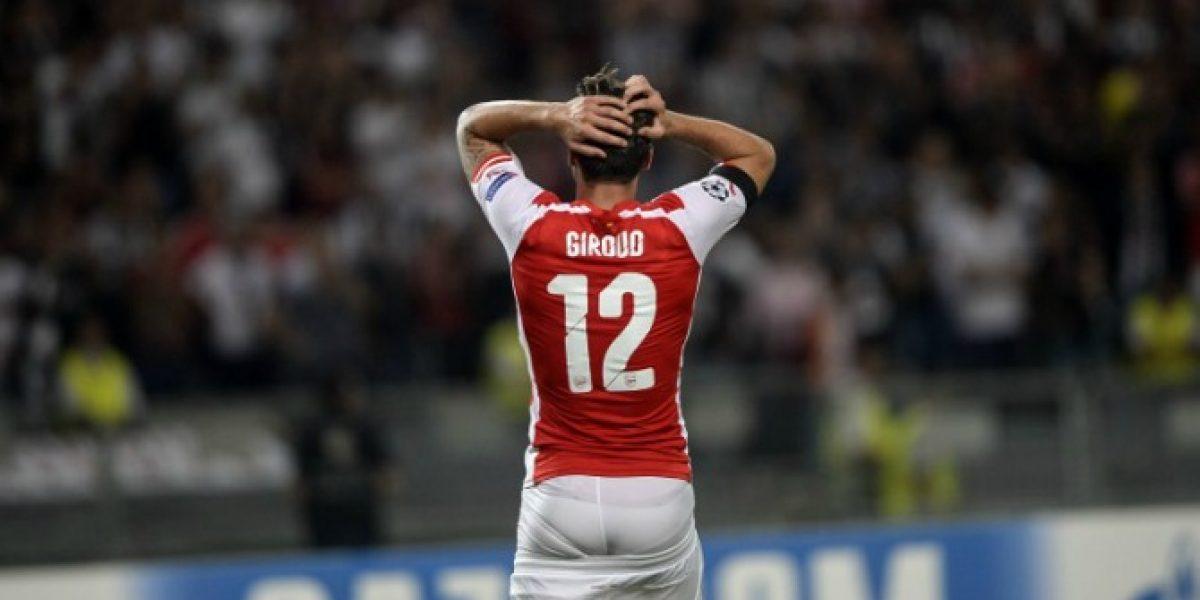 Prensa inglesa critica a Giroud como compañero de ataque de Alexis en Arsenal