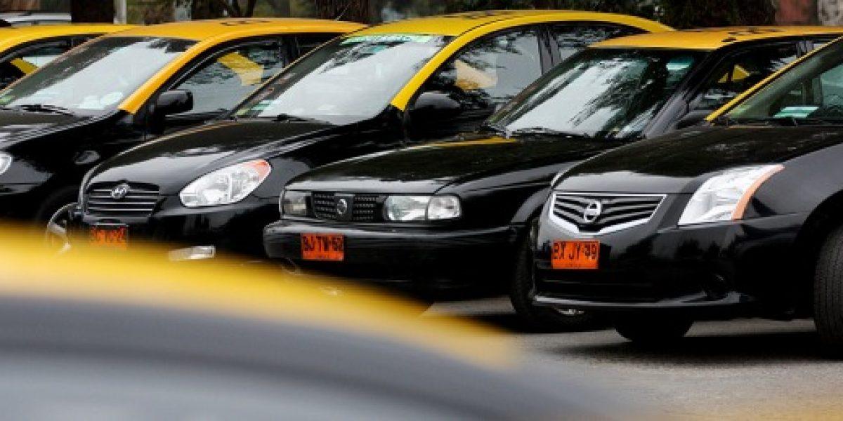 Fallas en el Metro de Santiago aumentó la demanda de taxis a través de aplicaciones móviles