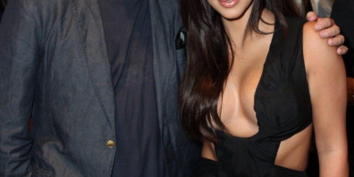 ¡Bochorno! Escote de Kim Kardashian le juega una mala pasada