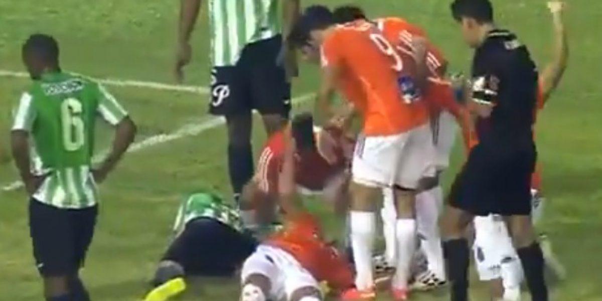 Video: Jugador anota un golazo pero cae inconsciente en la Copa Sudamericana