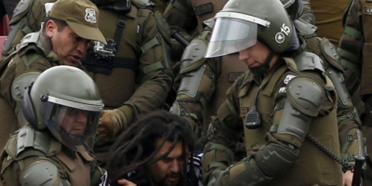 Galería: los fuertes incidentes entre Carabineros e hinchas de la U en el Nacional