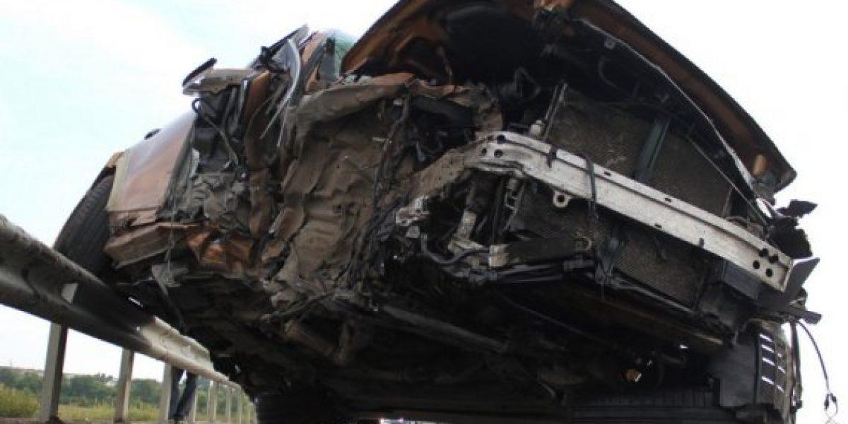 Increíbles imágenes de accidente entre Infiniti FX y Ford Mondeo