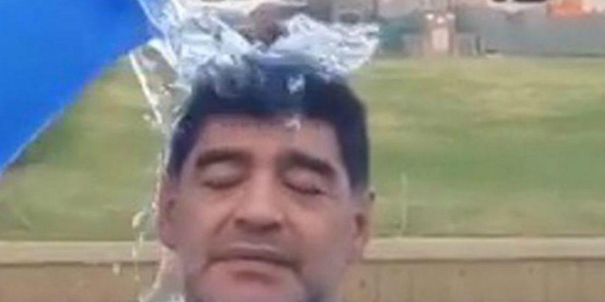 Video: faltaba él... Diego Maradona se sumó al Ice Bucket Challenge