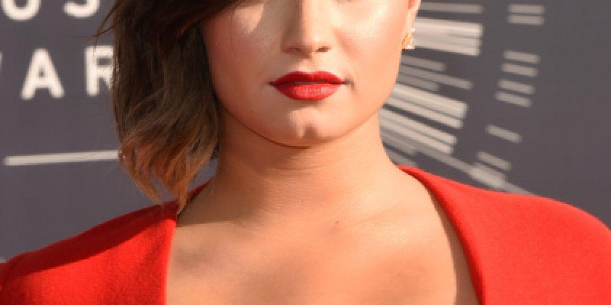 La evolución de los looks de Demi Lovato en los VMA que terminaron con este impactante escote