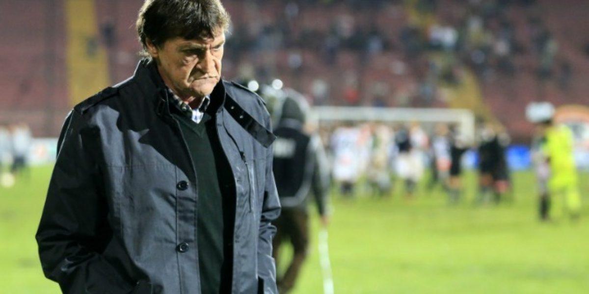 Católica ya piensa en reemplazantes ante una derrota de Falcioni en la Sudamericana
