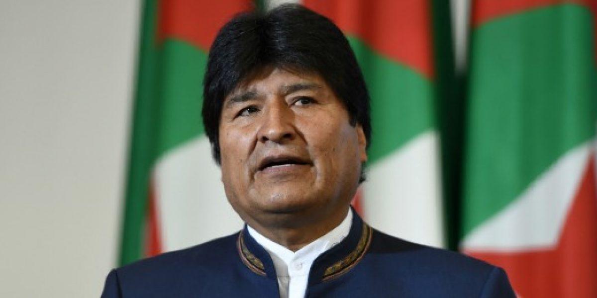 A un mes de las elecciones, Evo Morales anuncia aguinaldo para adultos mayores