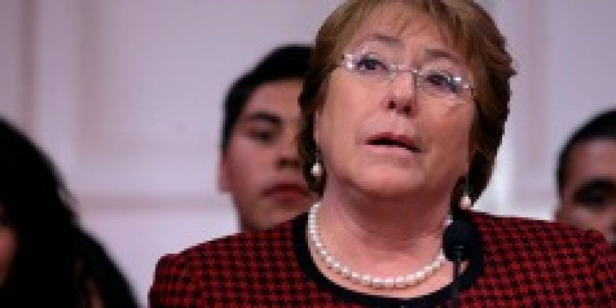 Bachelet aseguran que trabajadores pueden confiar en el gobierno