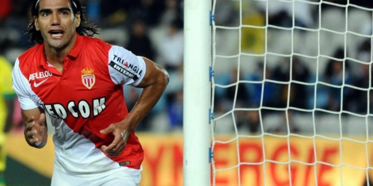 Radamel Falcao desmiente que vaya a jugar en Real Madrid por redes sociales
