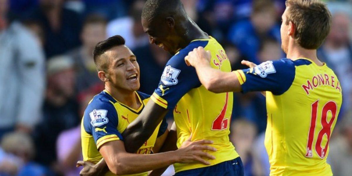 Alexis Sánchez anotó su primer gol en la Premier League en un pobre empate de Arsenal