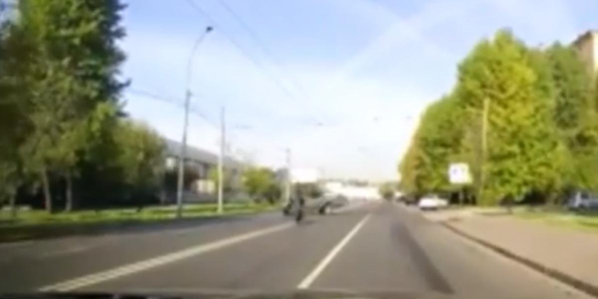 Lo que pasa por andar apurado en motocicleta