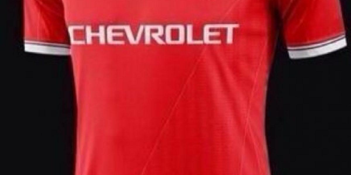 Así sería la nueva camiseta Manchester United tras multimillonaria firma con marca deportiva