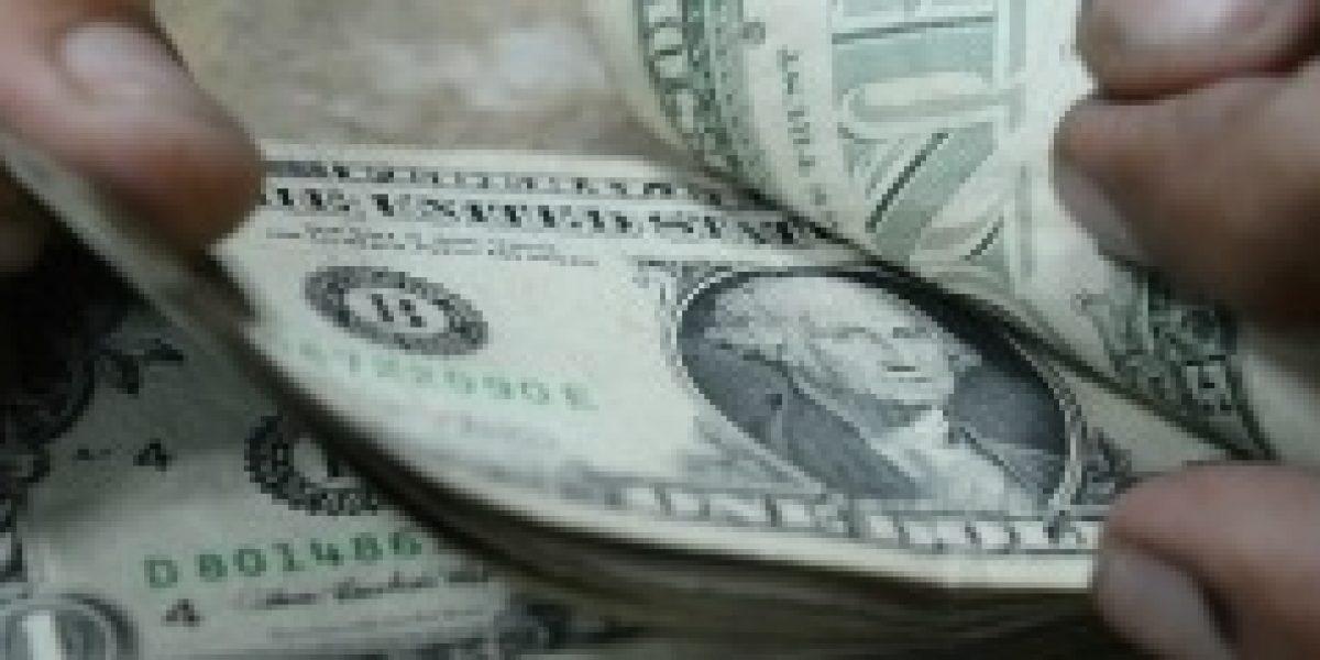 El dólar en alza y se cotiza nuevamente sobre los 600 pesos