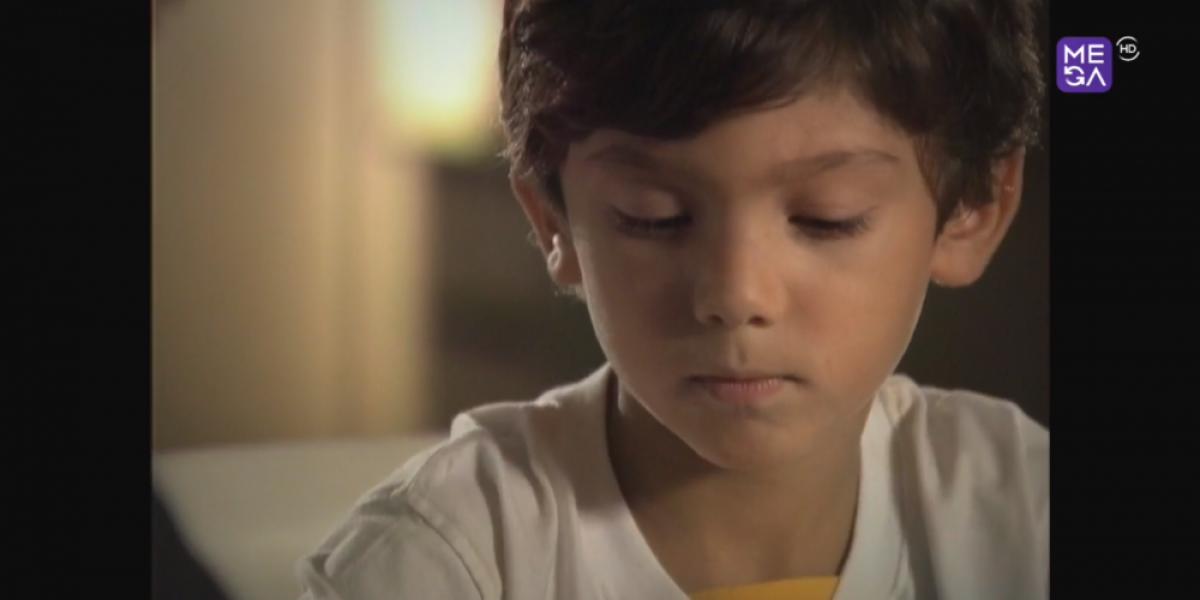 Kaan se enfurece con su hermana Nilufer y luego la sorprende