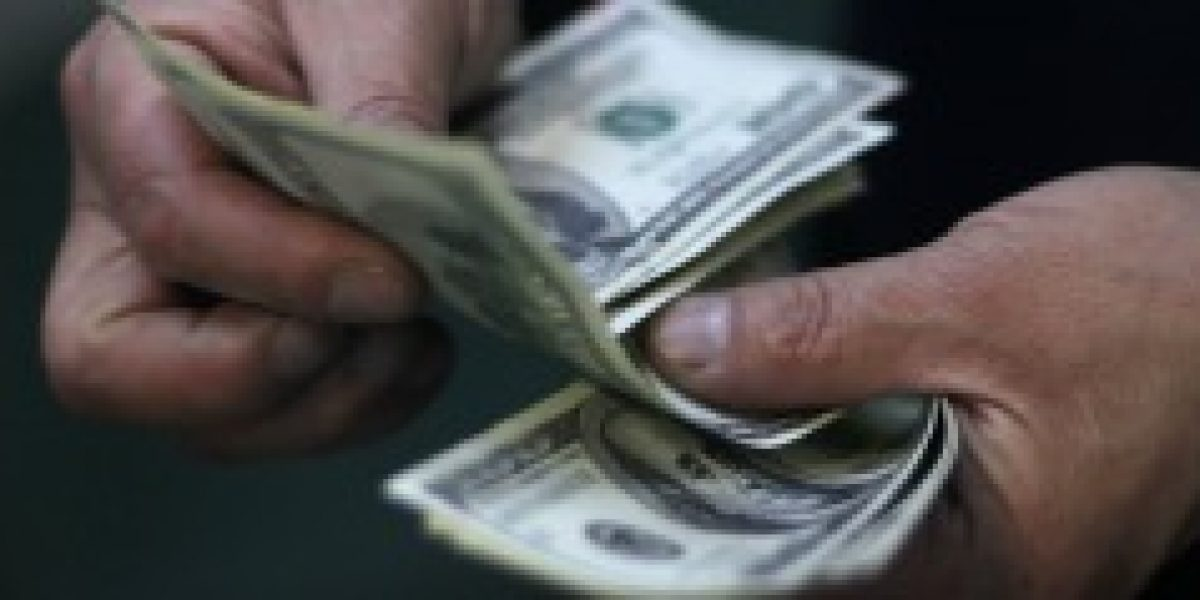 Nuevamente el dólar cierra una semana con tendencia al alza