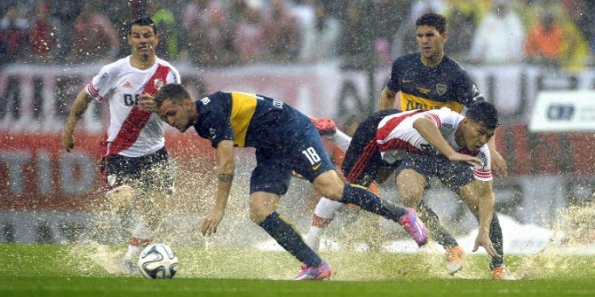El Boca de Fuenzalida empató ante River en un clásico jugado bajo un diluvio