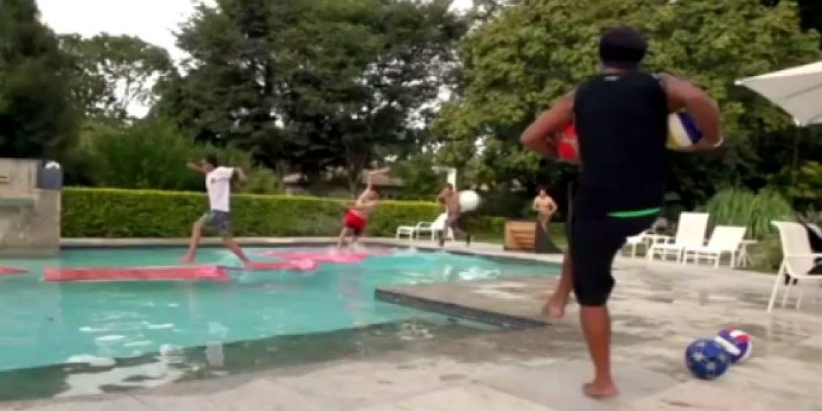 Video: Ronaldinho y su particular forma de divertirse en su mansión mexicana