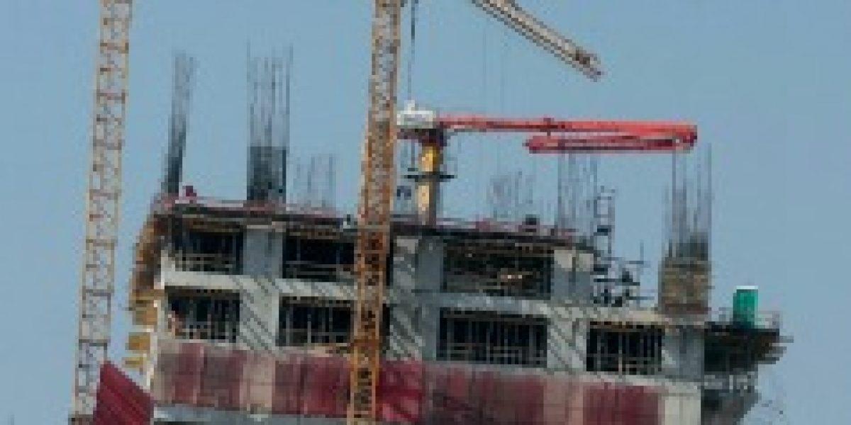 Desaceleración también afecta a la construcción: actividad baja un 2,4%