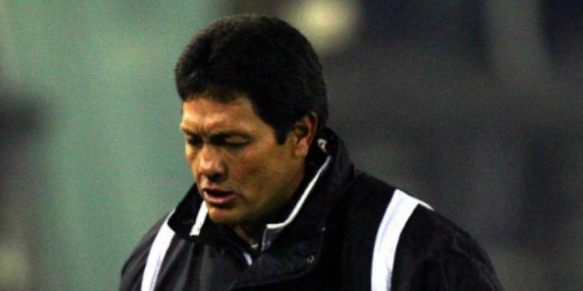 Entrenador de Bolivia prepara profundos cambios para visitar a la Roja