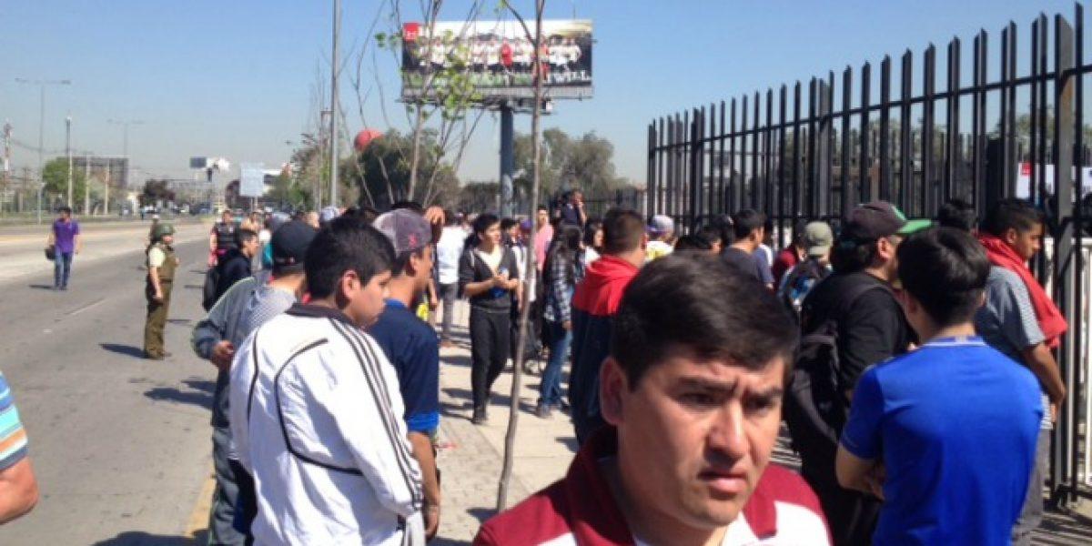 Video: la organización de Colo Colo falló y la venta de entradas fue caótica