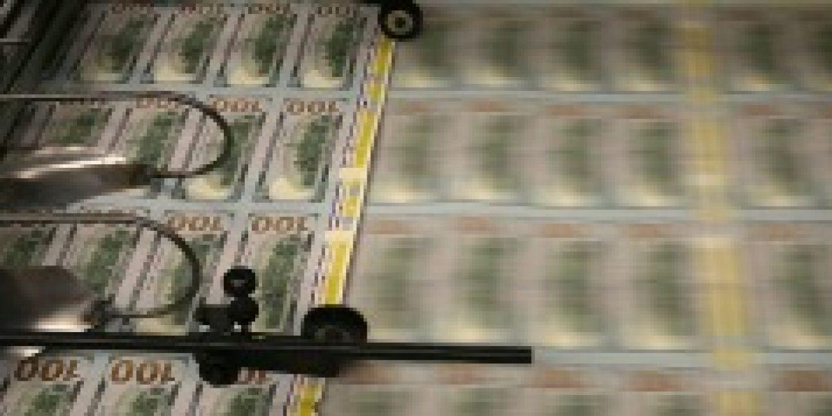 Precio del dólar sigue cayendo: este lunes cerró bajo los $590
