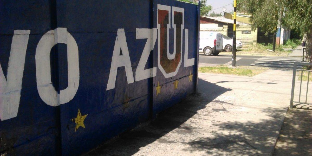 El Superclásico está en juego: Encapuchados lanzaron pintura negra contra sede de la U