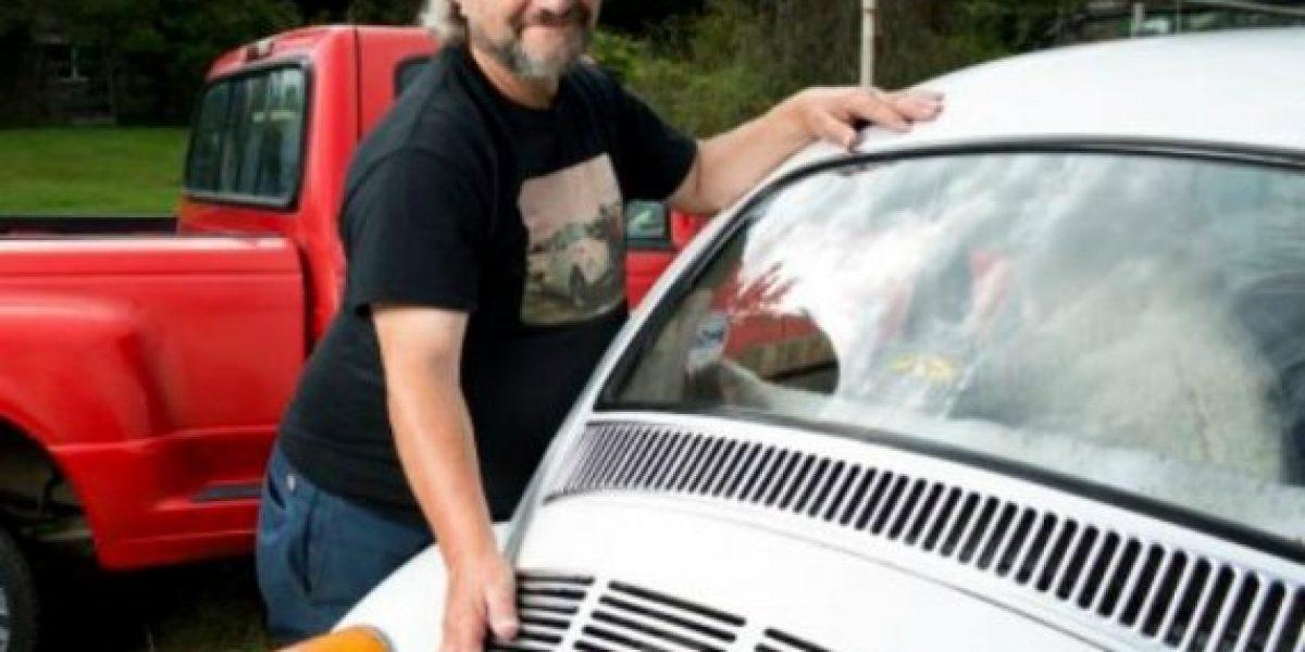 El hombre que tiene sexo con autos
